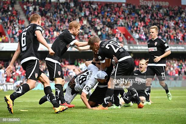 Joni Kauko Jonas Zickert Manuel Zeitz Robin Szarka and others of Cottbus are celebrating the 21 lead during the Third League match between Energie...