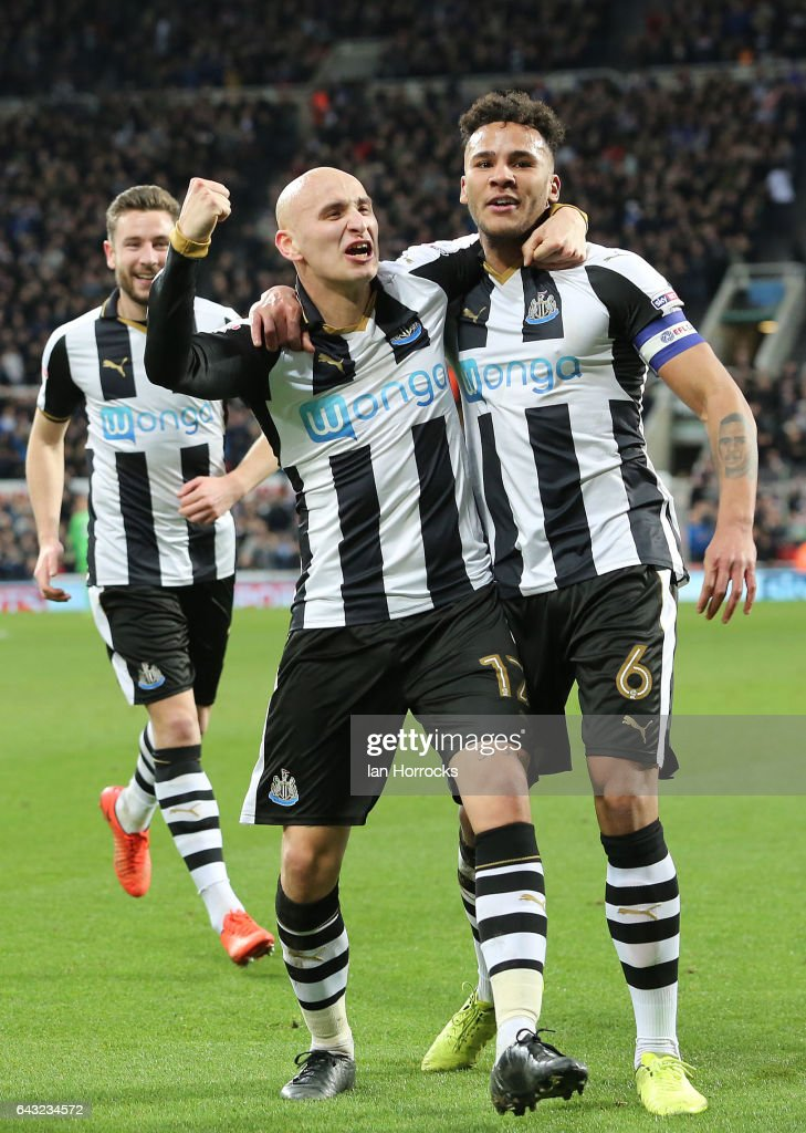 Jonjo Shelvey of Newcastle (L) celebrates the second goal with Jamaal Lascelles during the Sky Bet Championship match between Newcastle United and Aston Villa at St James' Park on February 20, 2017 in Newcastle upon Tyne, England.