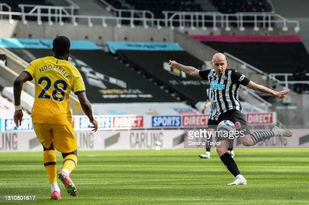Jonjo Shelvey of Newcastle United FC strikes the ball during the Premier League match between Newcastle United and Tottenham Hotspur at St. James...