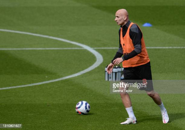 Jonjo Shelvey of Newcastle United FC warms up during the Premier League match between Newcastle United and Tottenham Hotspur at St. James Park on...