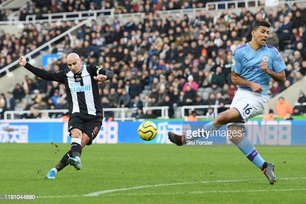 Jonjo Shelvey of Newcastle United scores his teams second goal during the Premier League match between Newcastle United and Manchester City at St....