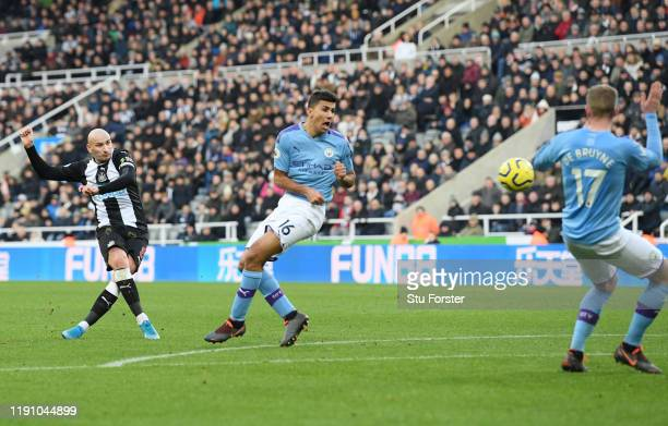 Jonjo Shelvey of Newcastle United scores his teams second goal during the Premier League match between Newcastle United and Manchester City at St...