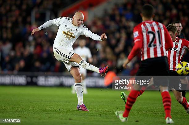 Jonjo Shelvey of Swansea City scores the opening goal during the Barclays Premier League match between Southampton and Swansea City at St Mary's...