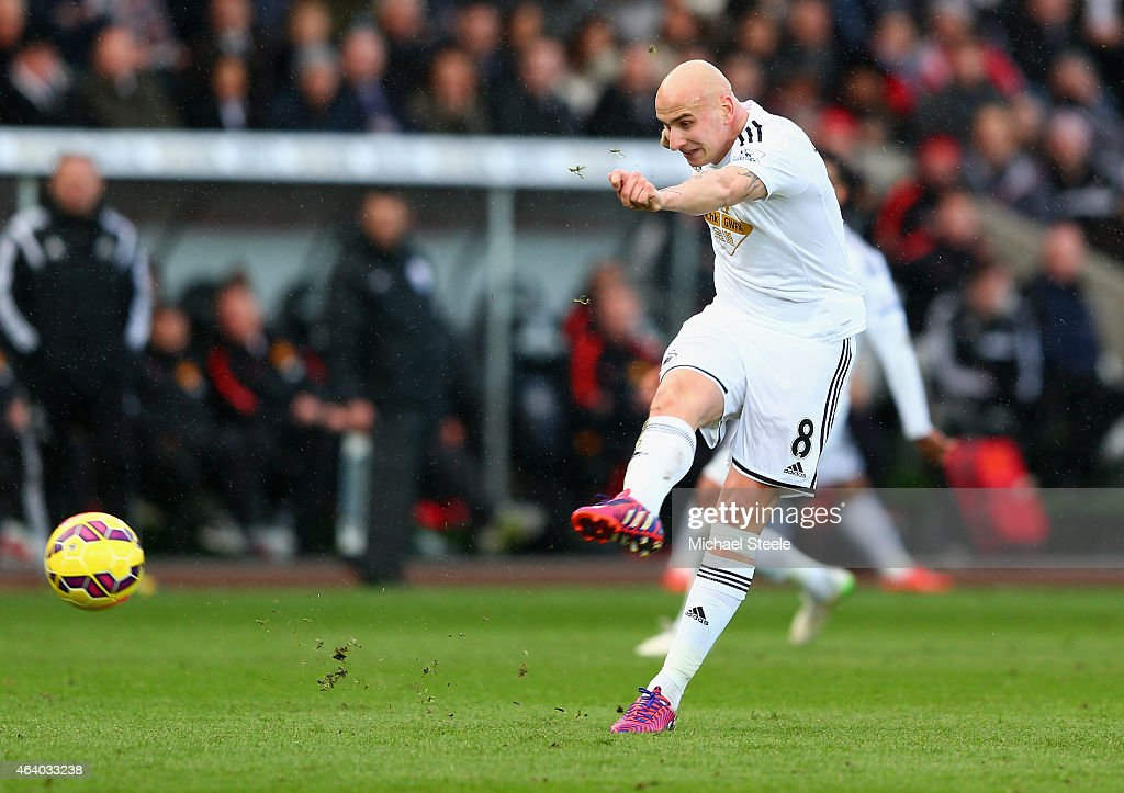 Jonjo Shelvey of Swansea City scores their second goal during the Barclays Premier League match between Swansea City and Manchester United at Liberty Stadium on February 21, 2015 in Swansea, Wales.