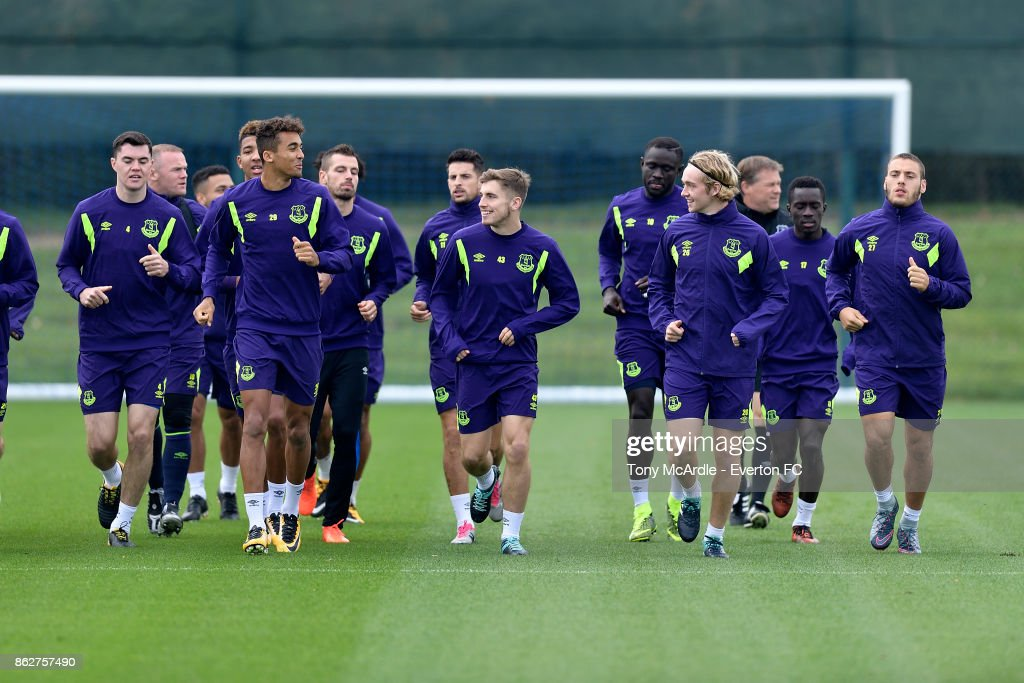 Jonjoe Kenny (C) Dominic Calvert-Lewin (CL) and Tom Davies CR) during the Everton training session at USM Finch Farm on October 18, 2017 in Halewood, England.
