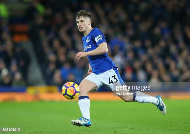 Jonjoe Kenny of Everton runs with the ball during the Premier League match between Everton and West Ham United at Goodison Park on November 29 2017...