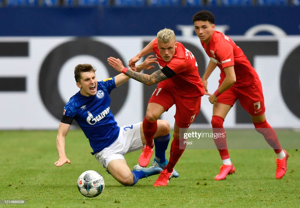 FC Schalke 04 v FC Augsburg - Bundesliga : News Photo