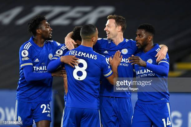 Jonny Evans of Leicester City celebrates after scoring their sides second goal with team mates Wilfred Ndidi, Youri Tielemans, Wilfred Ndidi, Wesley...