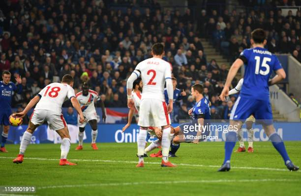 Jonny Evans of Leicester City scores his team's first goal during the Premier League match between Leicester City and Crystal Palace at The King...