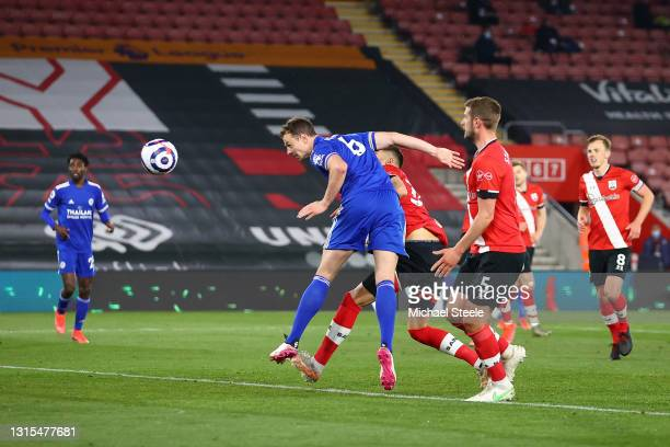 Jonny Evans of Leicester City scores his team's first goal during the Premier League match between Southampton and Leicester City at St Mary's...