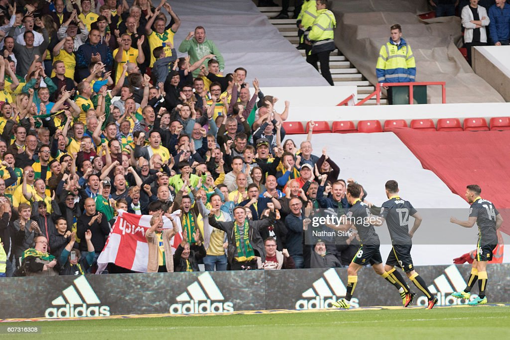 Jonny Howson of Norwich celebrates during the Sky Bet Championship match between Nottingham Forest and Norwich City at the City Ground on September 17, 2016 in Nottingham, England.