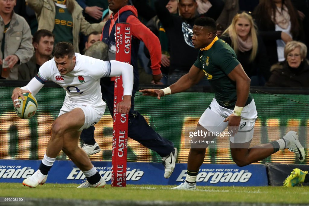 South Africa v England : News Photo