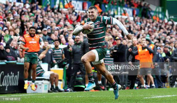 Jonny May of Leicester Tigers races clear to score a try during the Gallagher Premiership Rugby match between Leicester Tigers and Bristol Bears at...