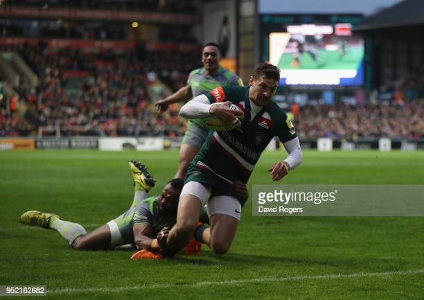 Jonny May of Leicester Tigers scores a try during the Aviva Premiership match between Leicester Tigers and Newcastle Falcons at Welford Road on April...