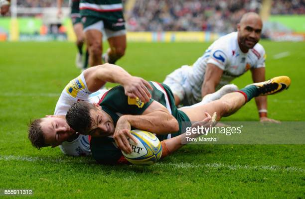 Jonny May of Leicester Tigers scoring their second try during the Aviva Premiership match between Leicester Tigers and Exeter Chiefs at Welford Road...