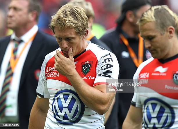 Jonny Wilkinson of RC Toulon looks dejected after the French Top 14 Final match between Toulouse and RC Toulon at Stade de France on June 09, 2012 in...