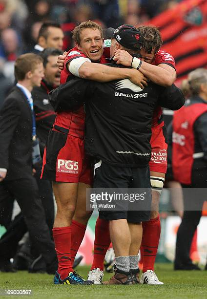 Jonny Wilkinson of Toulon celebrates victory with his teammates at the end of the Heineken Cup final match between Clermont Auvergne and RC Toulon at...