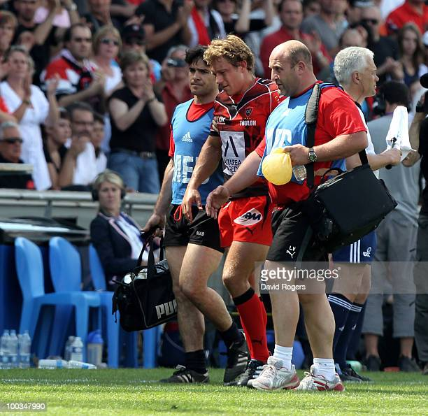 Jonny Wilkinson of Toulon is helped off the pitch after being replaced during the Amlin Challenge Cup Final between Toulon and Cardiff Blues at Stade...