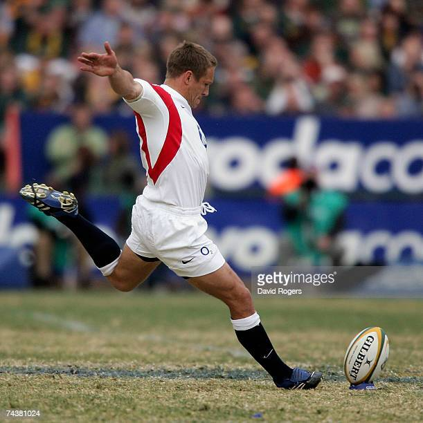 Jonny Wilkinson the England captain takes a penalty during the Rugby Union international match between South Africa and England at Loftus Versfeld on...