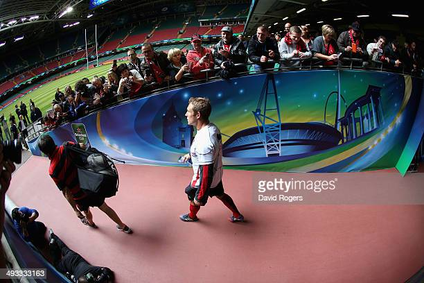 Jonny Wilkinson the Toulon captain walks down the tunnel as Toulon fans look on during the Toulon kicking practice held at the Millennium Stadium on...