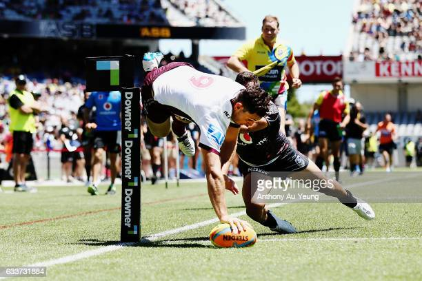 Jono Wright of the Sea Eagles scores a try during the 2017 Auckland Nines match between the Warriors and the Sea Eagles at Eden Park on February 4...