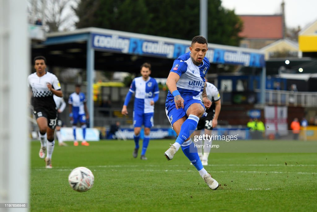 Bristol Rovers v Coventry City - FA Cup Third Round : ニュース写真