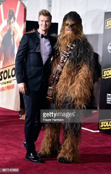 Joonas Suotamo poses with Chewbacca during the premiere of Disney Pictures and Lucasfilm's Solo A Star Wars Story at the El Capitan Theatre on May 10...
