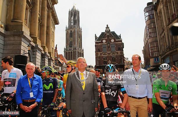 Joop Zoetemelk, Mayor of Utrecht Jan van Zanen, Chris Froome of Great Britain and Team Sky, race director Christian Prudhomme and green jersey wearer...