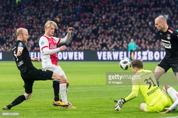 Jop van der Linden of Willem II Kasper Dolberg of Ajax goalkeeper Mathijs Branderhorst of Willem II Elmo Lieftink of Willem II during the Dutch...