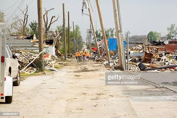 joplin missouri deadly f5 tornado debris clean-up crew - joplin missouri stock pictures, royalty-free photos & images