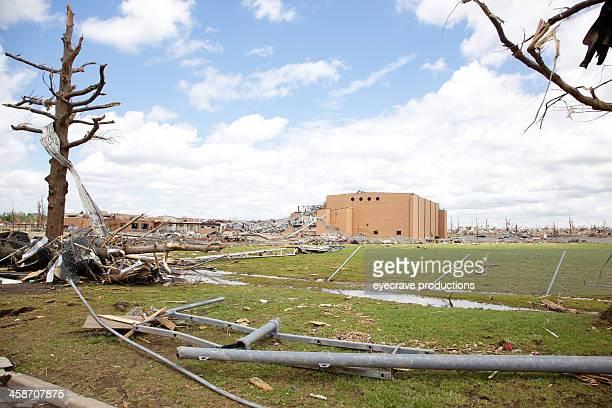 joplin missouri high school deadly f5 tornado debris - joplin missouri stock pictures, royalty-free photos & images