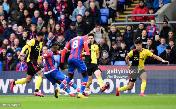 Jordan Ayew of Crystal Palace scores his team's first goal during the Premier League match between Crystal Palace and Watford FC at Selhurst Park on...