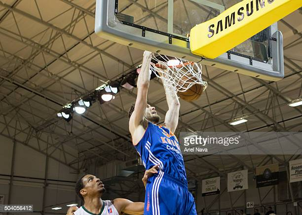 CRUZ CA JANUARY 8 Jordan Bachynski of the Westchester Knicks dunks against the Reno Bighorns during an NBA DLeague game on JANUARY 8 2016 in SANTA...