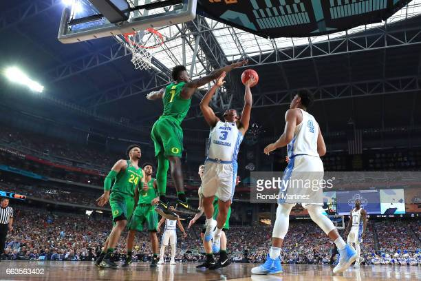 Jordan Bell of the Oregon Ducks defends Kennedy Meeks of the North Carolina Tar Heels in the first half during the 2017 NCAA Men's Final Four...