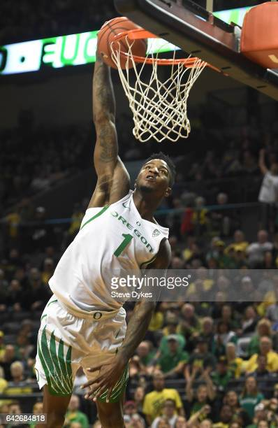 Jordan Bell of the Oregon Ducks dunks during the first half of the game against the Colorado Buffaloes at Matthew Knight Arena on February 18 2017 in...