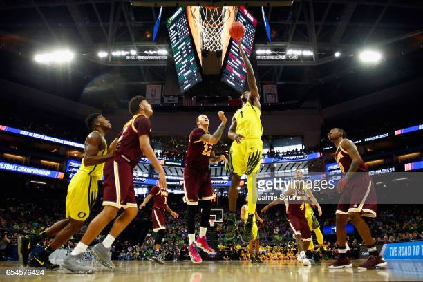 Jordan Bell of the Oregon Ducks shoots the ball in the first half against the Iona Gaels during the first round of the 2017 NCAA Men's Basketball...