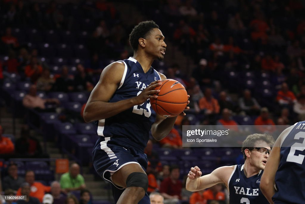 COLLEGE BASKETBALL: DEC 22 Yale at Clemson : News Photo