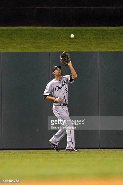 Jordan Danks of the Chicago White Sox fields against the Minnesota Twins on September 2 2014 at Target Field in Minneapolis Minnesota The White Sox...