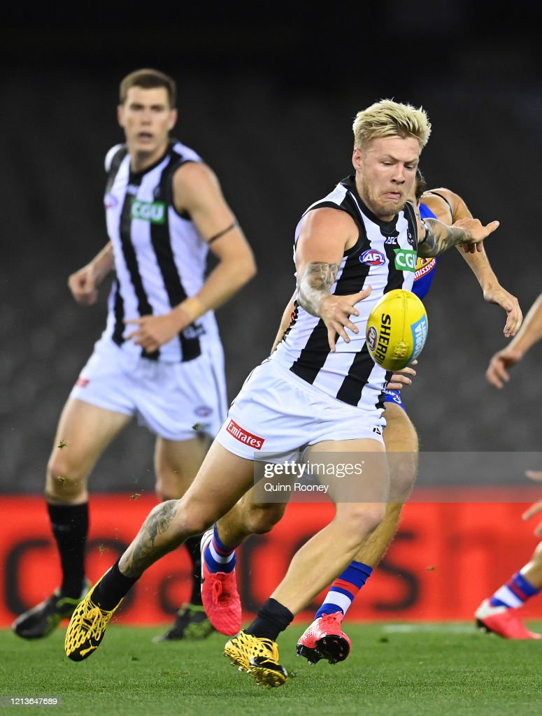 Jordan De Goey Of The Magpies Kicks During The Round 1 Afl Match News Photo Getty Images