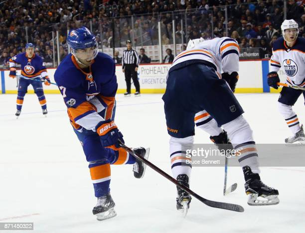 Jordan Eberle of the New York Islanders takes the second period shot against the Edmonton Oilers at the Barclays Center on November 7 2017 in the...