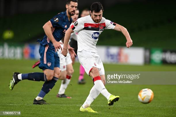 Jordan Flores of Dundalk FC scores their team's first goal during the UEFA Europa League Group B stage match between Dundalk FC and Arsenal FC at...