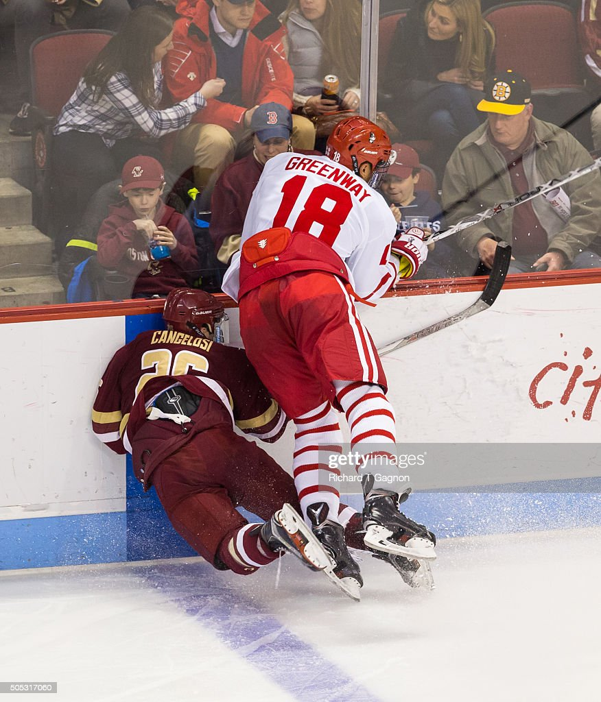 Boston College v Boston University : News Photo