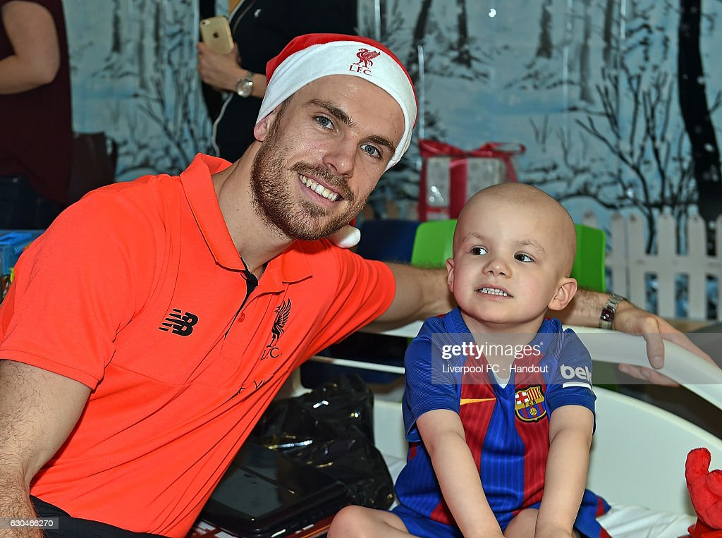 Liverpool Players Deliver Christmas Presents to Alder Hey Hospital : News Photo