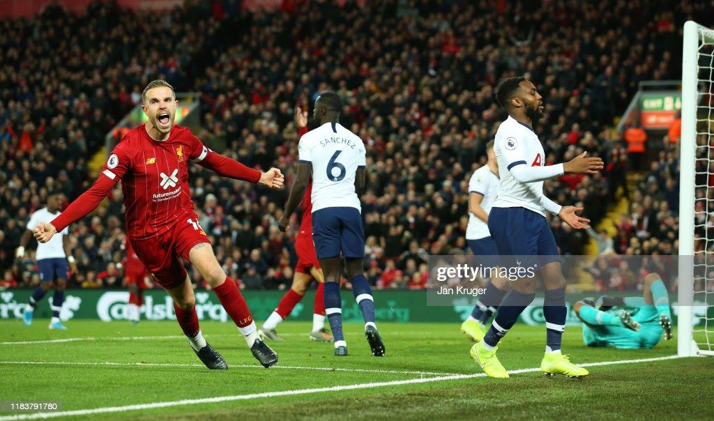 Liverpool FC v Tottenham Hotspur - Premier League : Foto jornalística