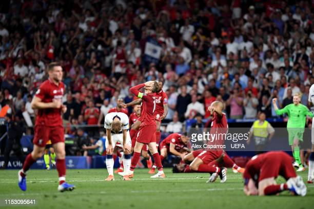 Jordan Henderson of Liverpool celebrates victory at fulltime after the UEFA Champions League Final between Tottenham Hotspur and Liverpool at Estadio...