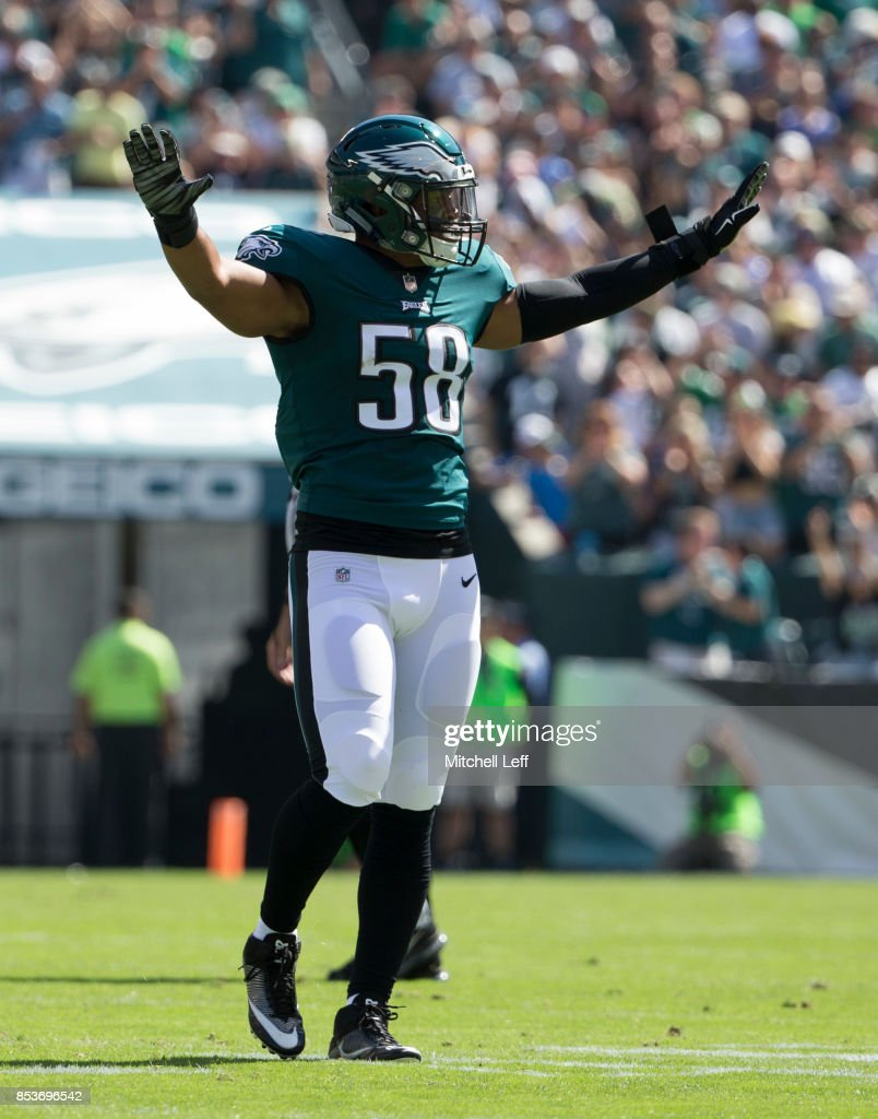 Jordan Hicks #58 of the Philadelphia Eagles plays against the New York Giants at Lincoln Financial Field on September 24, 2017 in Philadelphia, Pennsylvania. The Eagles defeated the Giants 27-24.
