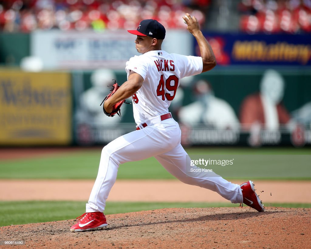 Jordan Hicks #49 of the St. Louis Cardinals pitches during the eighth inning against the Philadelphia Phillies at Busch Stadium on May 20, 2018 in St. Louis, Missouri.