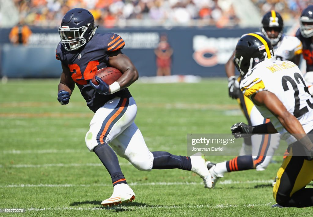 Pittsburgh Steelers v Chicago Bears : News Photo