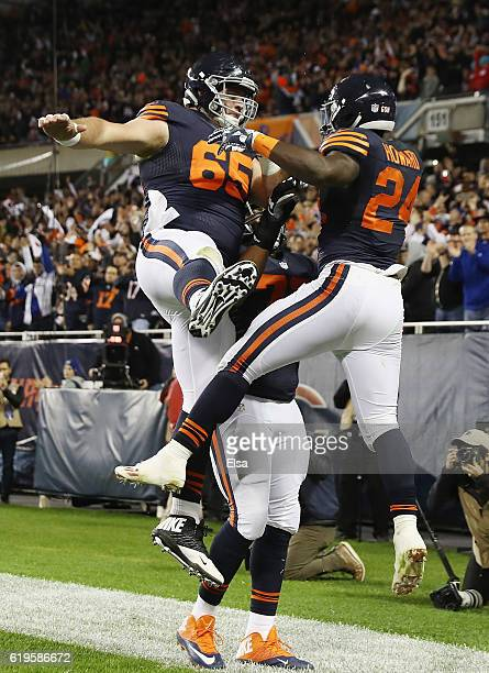 Jordan Howard of the Chicago Bears celebrates with Cody Whitehair after scoring a touchdown during the second quarter against the Minnesota Vikings...