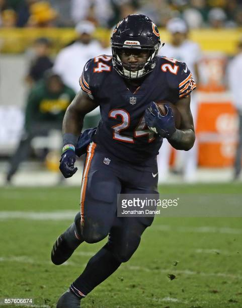 Jordan Howard of the Chicago Bears runs against the Green Bay Packers at Lambeau Field on September 28 2017 in Green Bay Wisconsin The Packers...